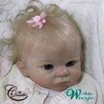 AW380001 - Dollkit 19 - Holly